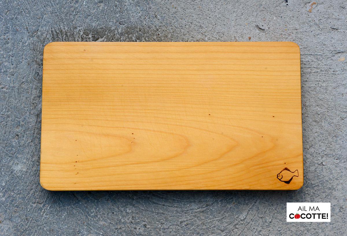 Une planche en bois japonaise ! ustensiles