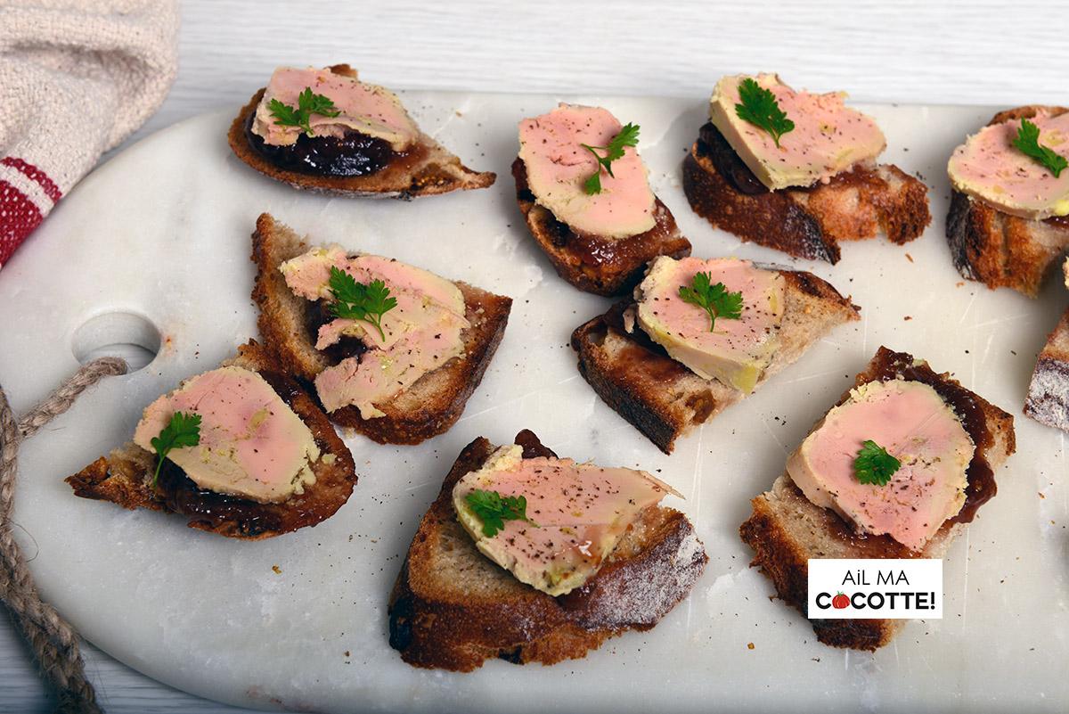 Petits toasts au foie gras et chutney de figues