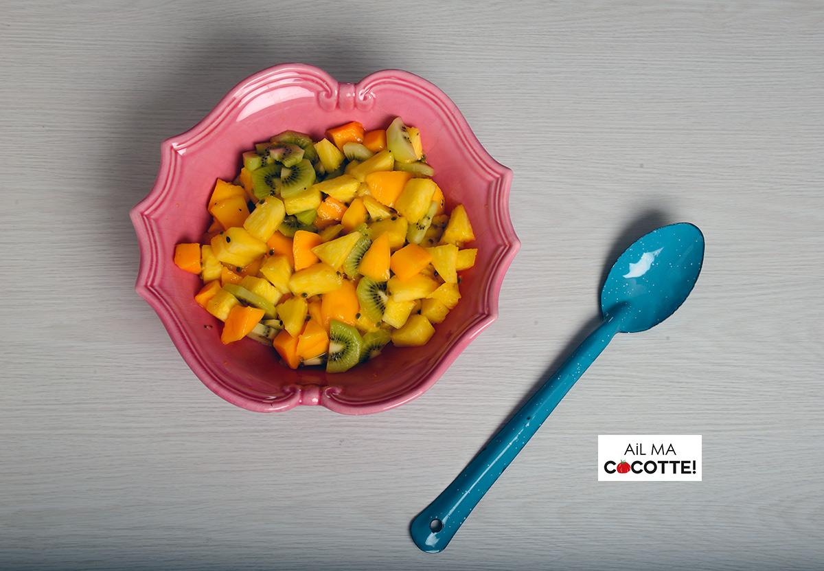 Salade d'ananas, mangues, kiwis et fruits de la passion