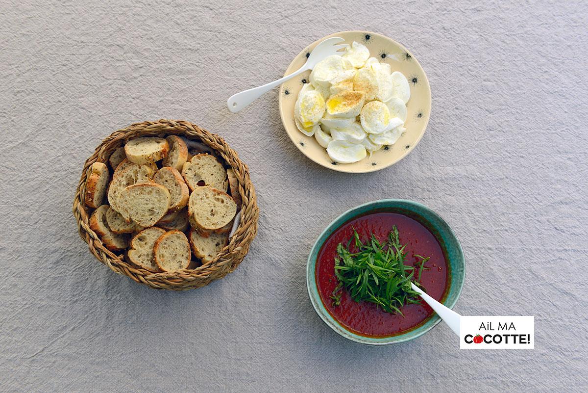 Crostinis mozzarella sauce tomate maison