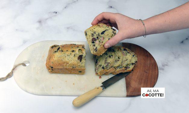 CAKE AUX OLIVES, CHAMPIGNONS ET LARDONS