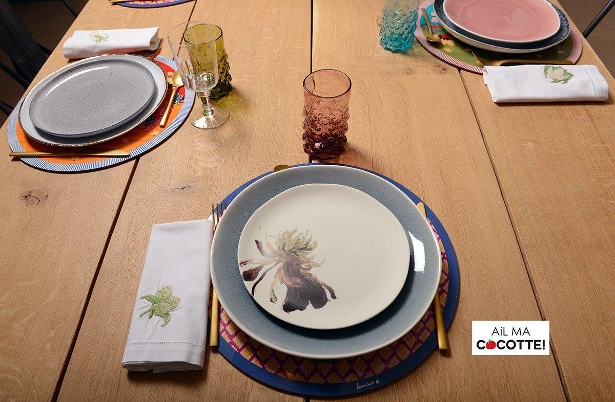 Table dépareillée aux pavots, ailmacocotte.com