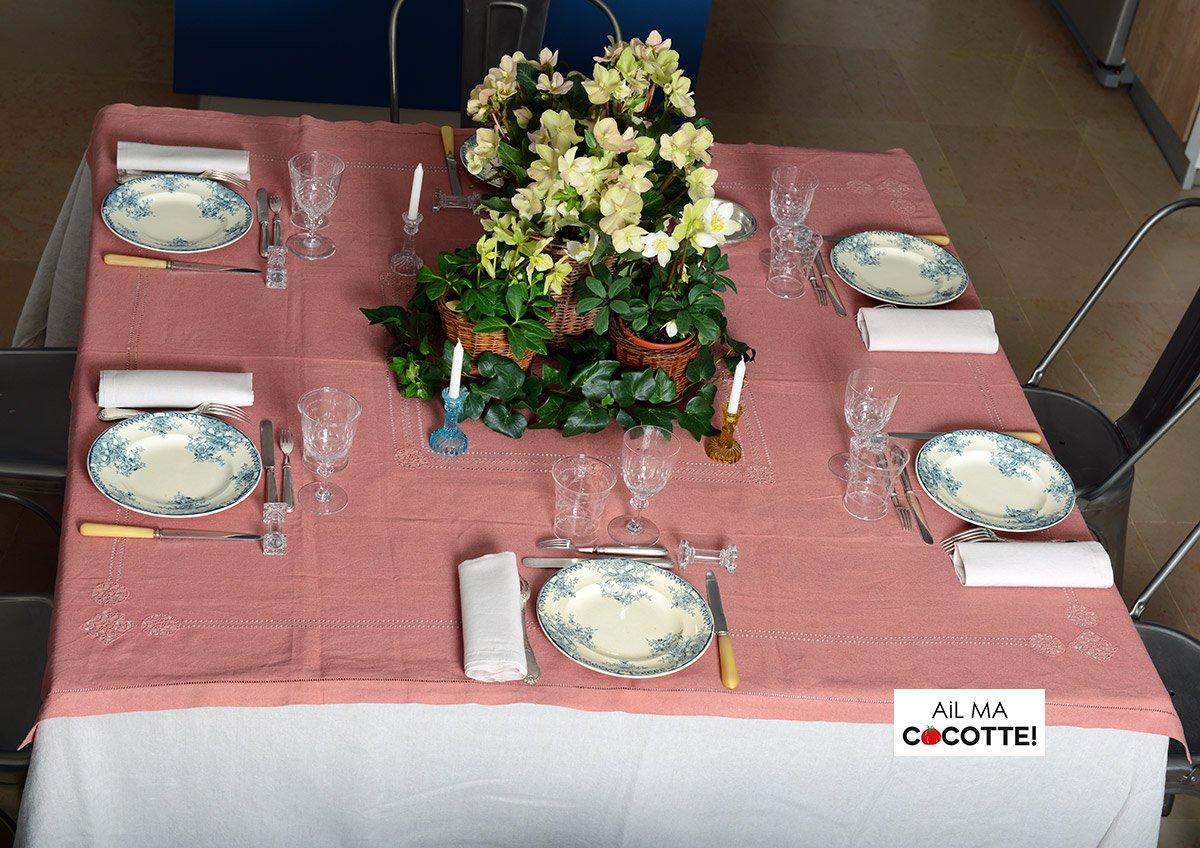 Table aux hellébores