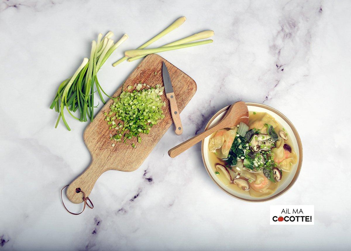 bouillon thaï aux ravioles de crevettes