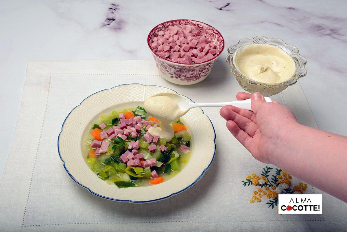 Soupe aux légumes et à l'orge, ailmacocotte.com