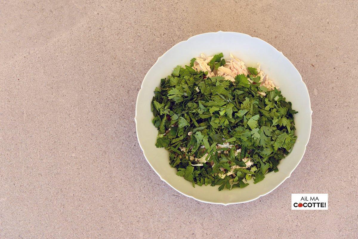 Salade de poulet effiloché aux herbes et aux framboises, ailmacocotte.com