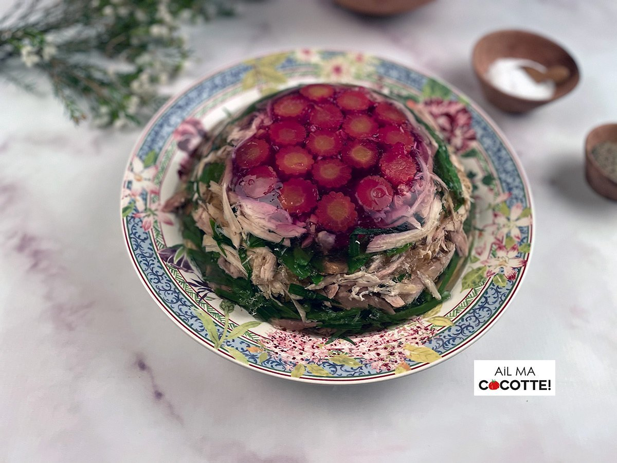 Poulet en gelée aux légumes de printemps, ailmacocotte.com